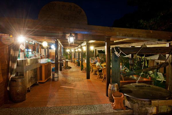 Elba island hotels edera and casa rosa pirats tavern for - Taverna di casa ...
